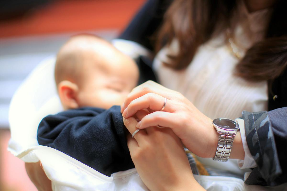 指輪の向こうに子供の将来が見える